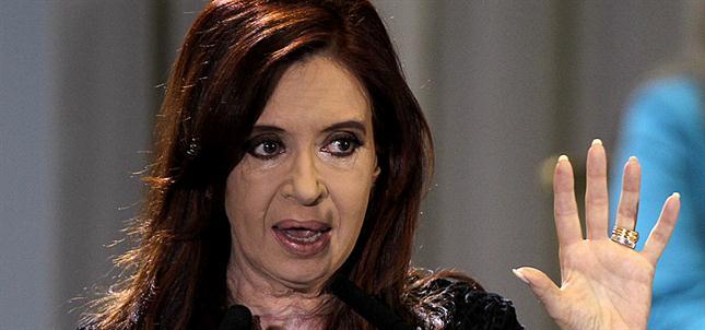INEXPLICABLE REACCION DE LA PRESIDENTE ARGENTINA ANTE LA MUERTE VIOLENTA DE SU FISCAL